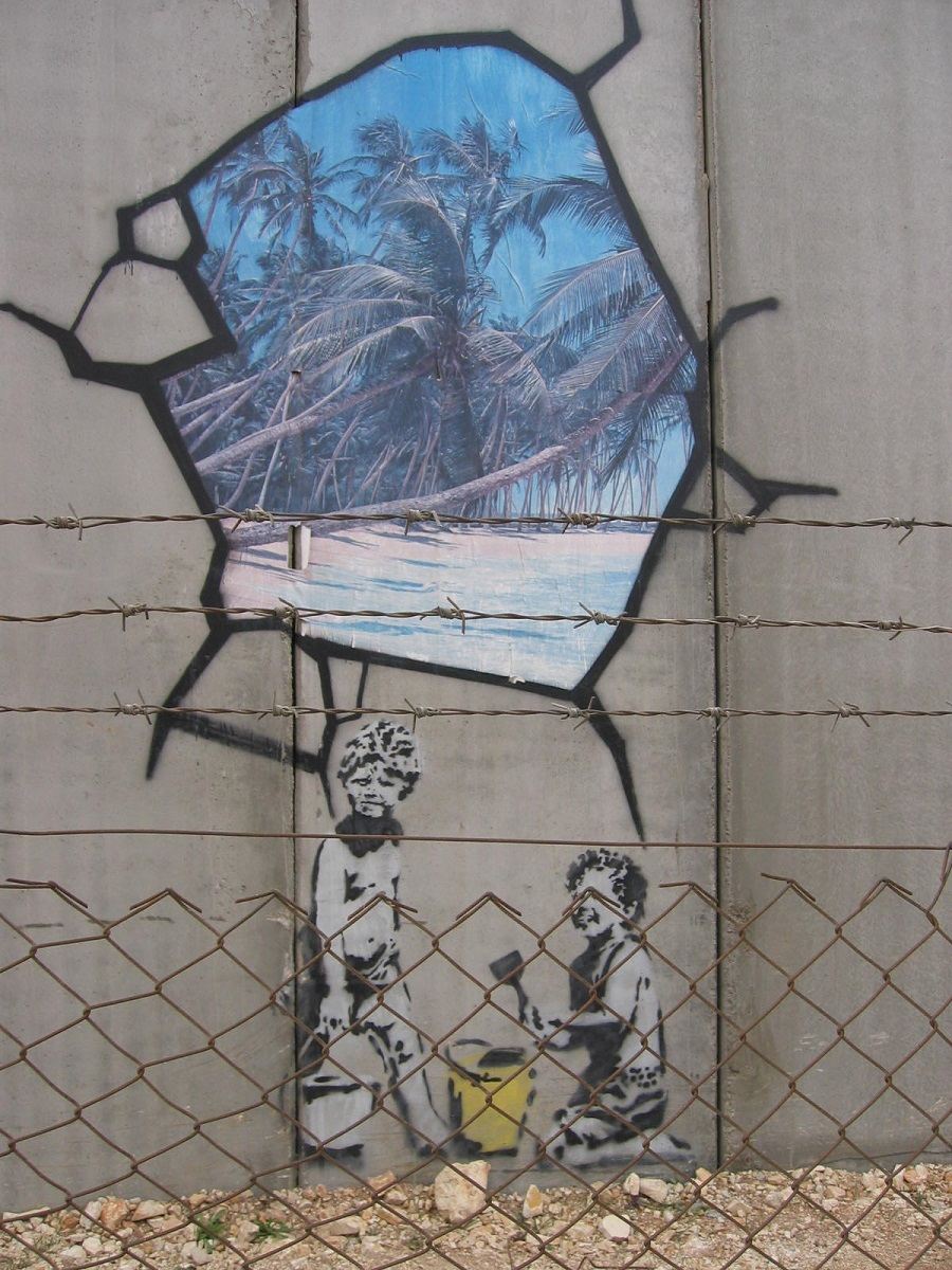banksy biography works and exhibitions banksy grafiti en muro en gaza jerusalem