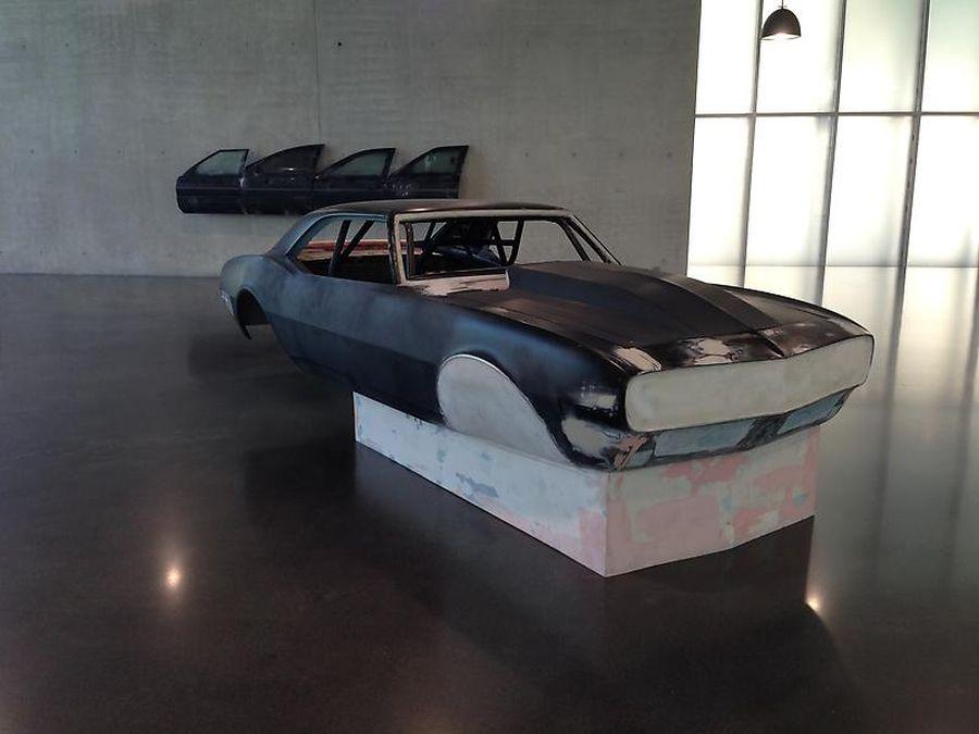 escultura coche