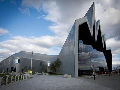 """El ayuntamiento de Glasgow """"vende"""" un museo de Zaha Hadid"""