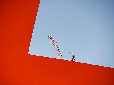 Una grúa provoca el cierre de una instalación de James Turrell