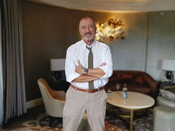 Interview with Arturo Pérez-Reverte