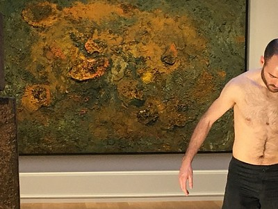 """La instalación """"Arnasa"""" de Maider López descubre la respiración del Museo de Bellas Artes de Bilbao"""