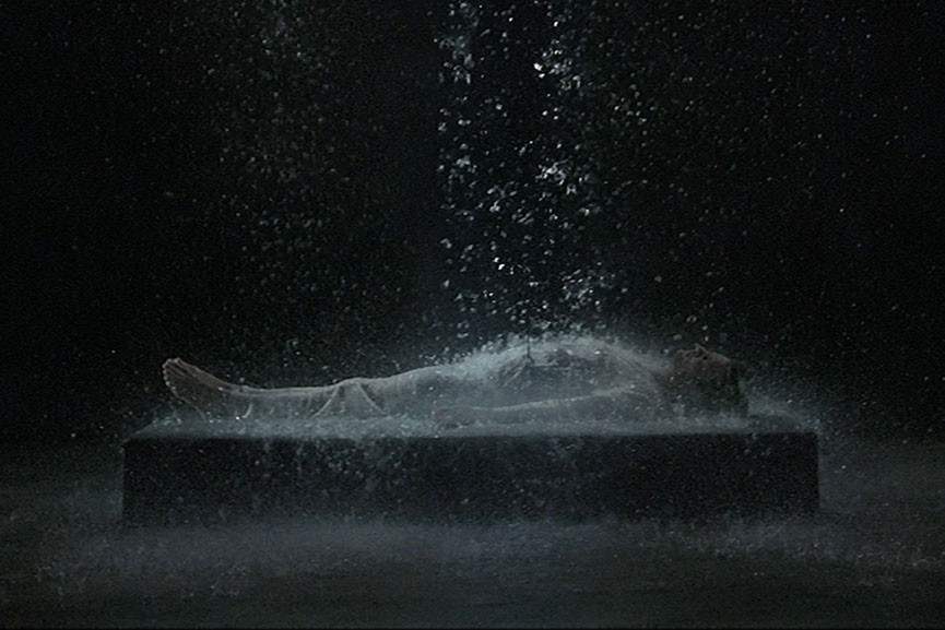 Bill-Viola-Tristans-Ascension-The-Sound-of-a-Mountain-Under-a-Waterfall-2005-detail.--Kira-Perov-courtesy-Bill-Viola-Studio-and-YSP-865x577