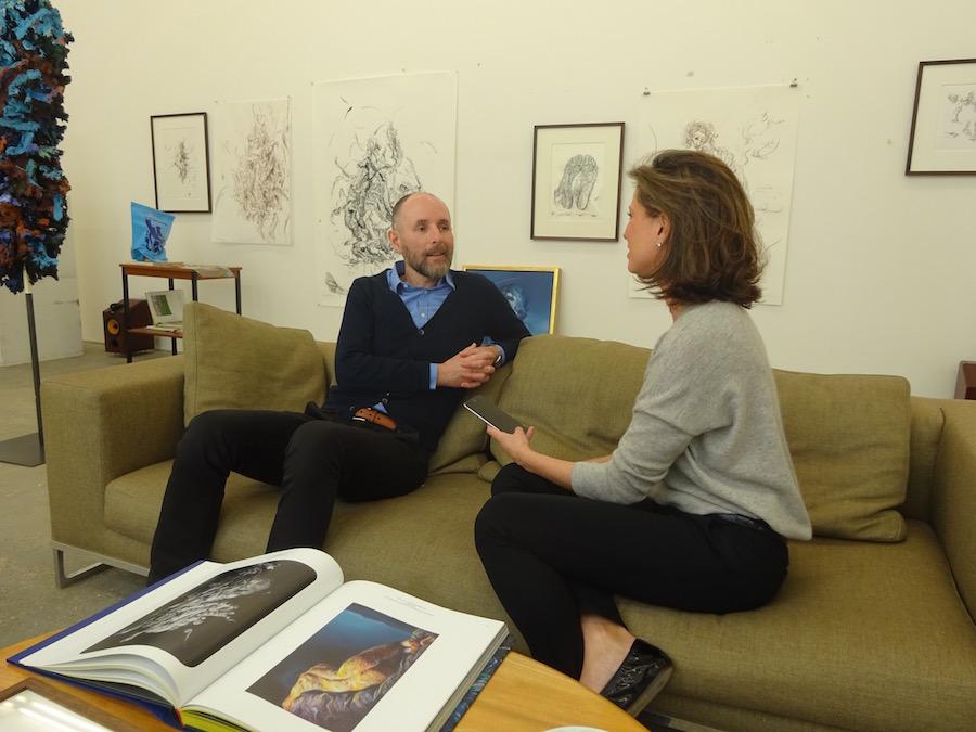 Elena Cue entrevista a Glenn Brown