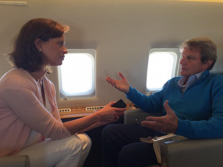 Elena Cué entrevista a Bernard Kouchner