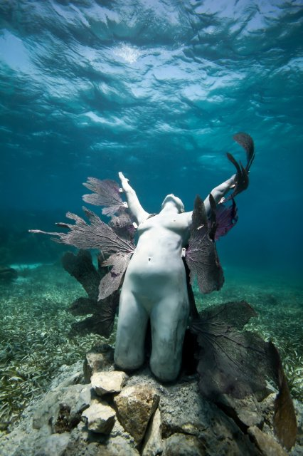 reclamation-01-jason-decaires-taylor-sculpture